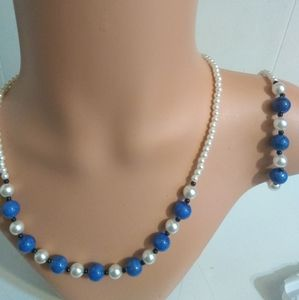 Beaded 3 piece jewelry set in Six Colors.